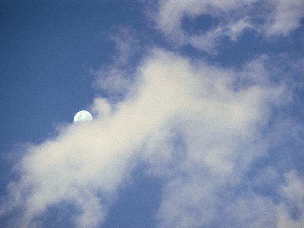 blue-sky-cloud-sun-and-moon