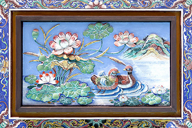 yeng-keng-hotel-peranakan-relief-wall-motif-by-the-pool